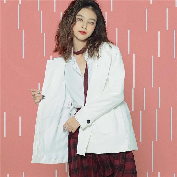 Ngắm vẻ đẹp cá tính của cô nàng được ví như diễn viên Hồng Kông