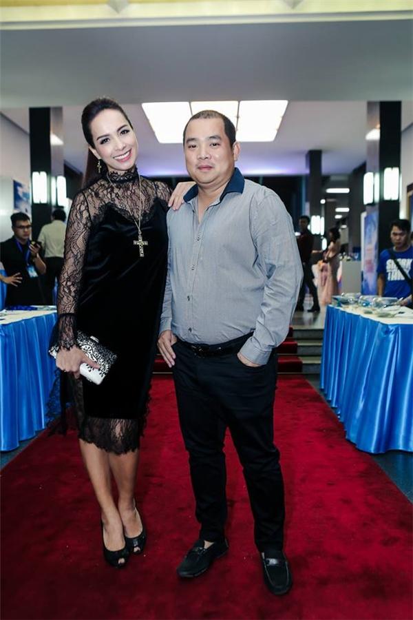Gia đình nhạc sĩ Minh Khang - cựu siêu mẫu Thúy Hạnh