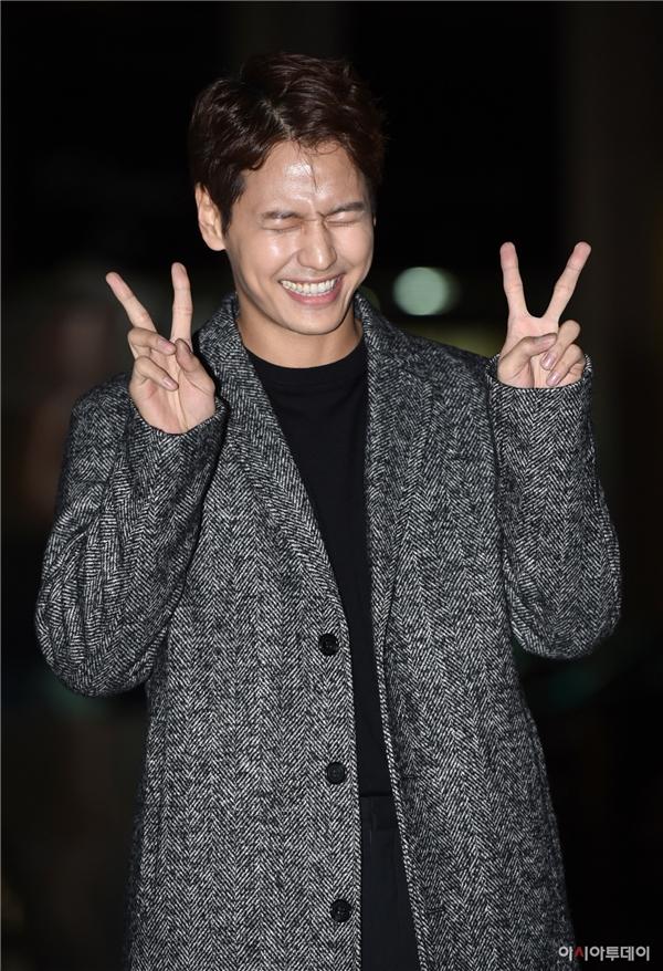 Ji Il Joo tạo dáng đáng yêu khó cưỡng