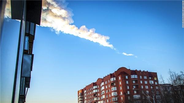 Một tiểu hành tinh phát nổ trên bầu trời Nga hồi năm 2013 làm hơn 1.000 người bị thương. (Ảnh: internet)
