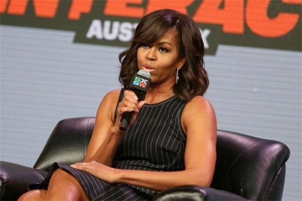 Bà Michelle có khả năng kiếm nhiều tiền hơn phu quân của mình nếu đồng ý viết hồi kí về 8 năm ở Nhà Trắng.