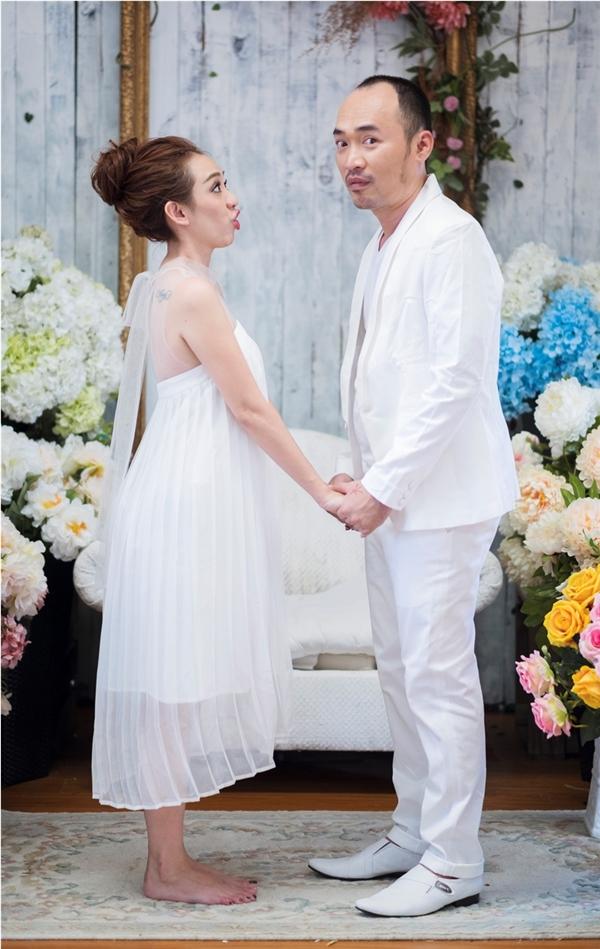 Kỉ niệm 6 năm ngày cưới, Thu Trang-Tiến Luật hấp hôn siêu dễ thương! - Tin sao Viet - Tin tuc sao Viet - Scandal sao Viet - Tin tuc cua Sao - Tin cua Sao
