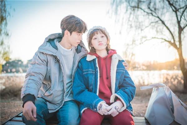 """Đến Nam Joo Hyuk cũng không cưỡng lại sức hút của """"nàng tiên"""" Bok Joo"""