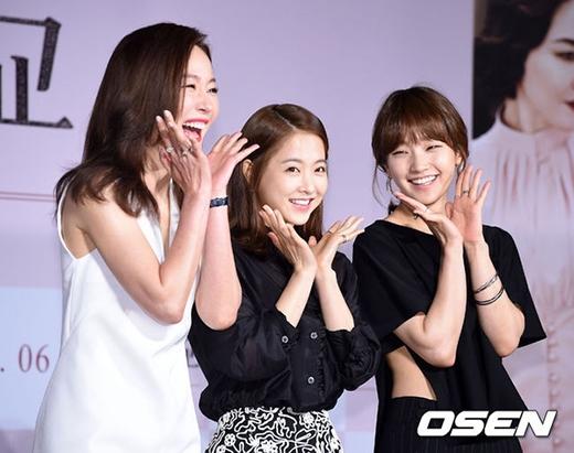 Những cô nàng nấm lùn nhưng ùn ùn người theo của Kpop