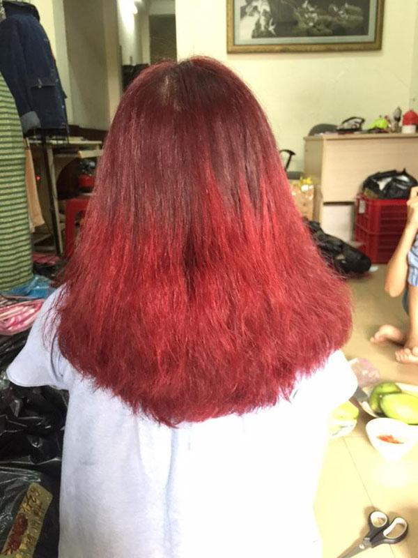 Mái tóc một trời một vực với hình mẫu đưa ra khiến không ít người tiếc nuối thay cô gái trẻ.