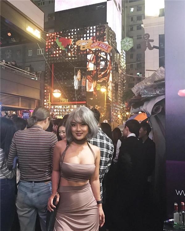 Không ít người khen ngợi cô nàng xinh đẹp, cuốn hút như diễn viên Hồng Kông.(Ảnh: Internet)