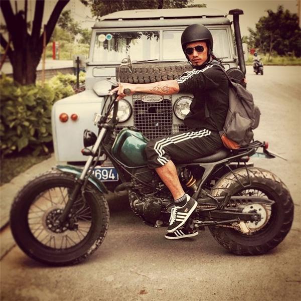 Phạm Anh Khoa đi phượt bằng xe mô-tô khá ngầu. - Tin sao Viet - Tin tuc sao Viet - Scandal sao Viet - Tin tuc cua Sao - Tin cua Sao