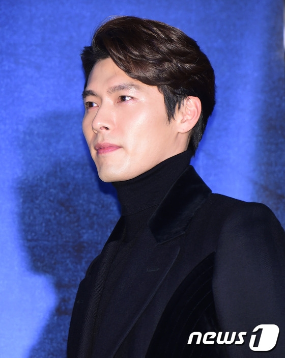 Hyunbin lịch lãm và phong độ dù năm nay đã bước sang tuổi 35.