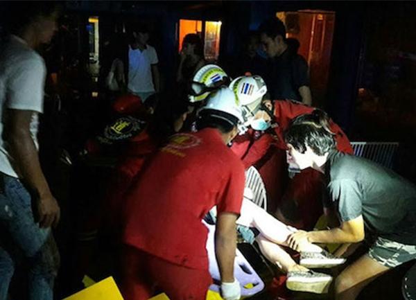 Nhân viên cứu hộ có mặt tại hiện trường. (Ảnh: Internet)