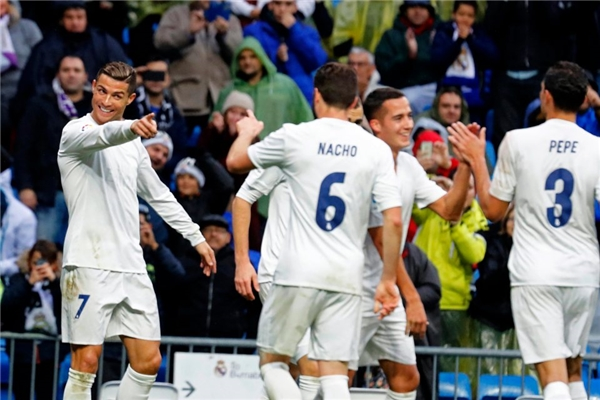 Chân dung mỹ nhân khiến Ronaldo mơ đến ngôi nhà và những đứa trẻ