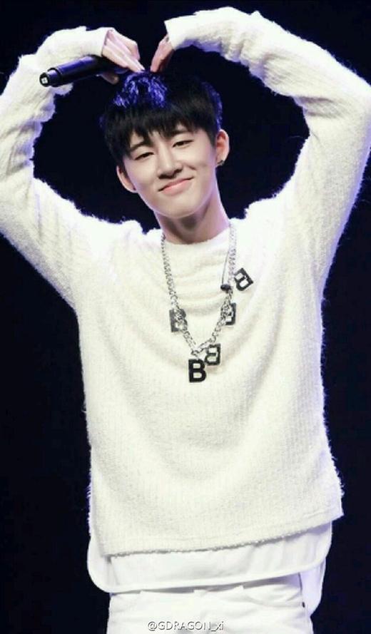  Donghyuk nhóm iKON cũng có sinh nhật vào 3/1.