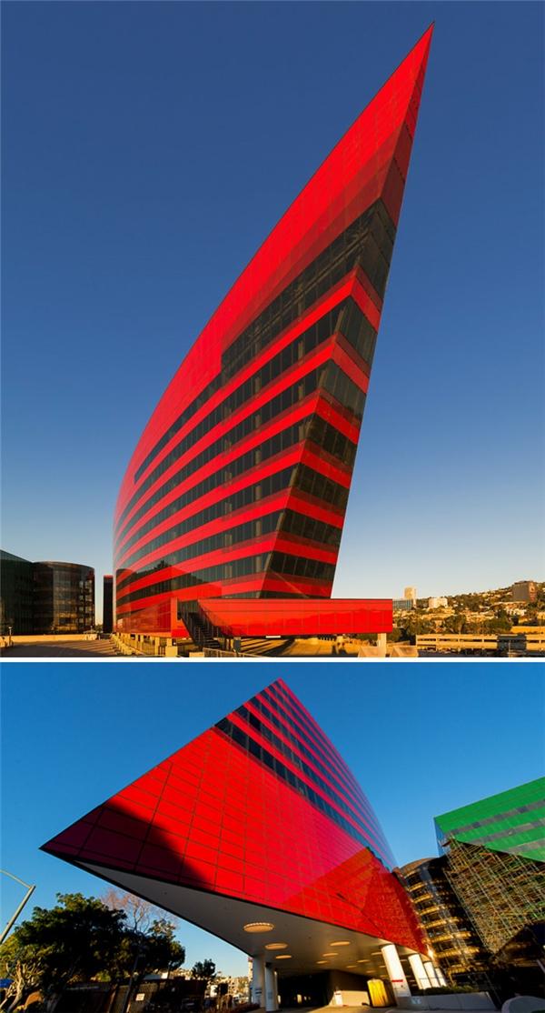 Tòa nhà Red ở Hollywood. (Ảnh: internet)