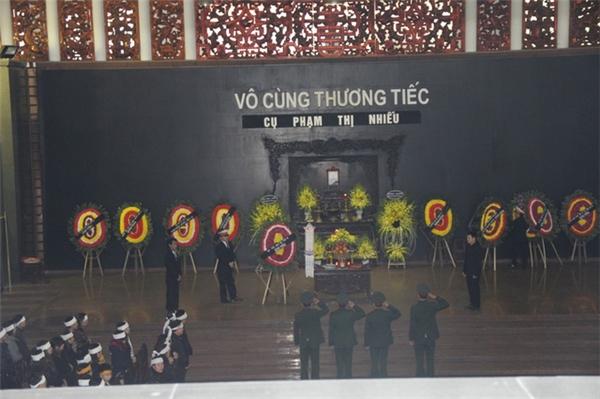 """Dàn """"Táo quân"""" đến chia buồn cùng """"Ngọc hoàng"""" Quốc Khánh - Tin sao Viet - Tin tuc sao Viet - Scandal sao Viet - Tin tuc cua Sao - Tin cua Sao"""