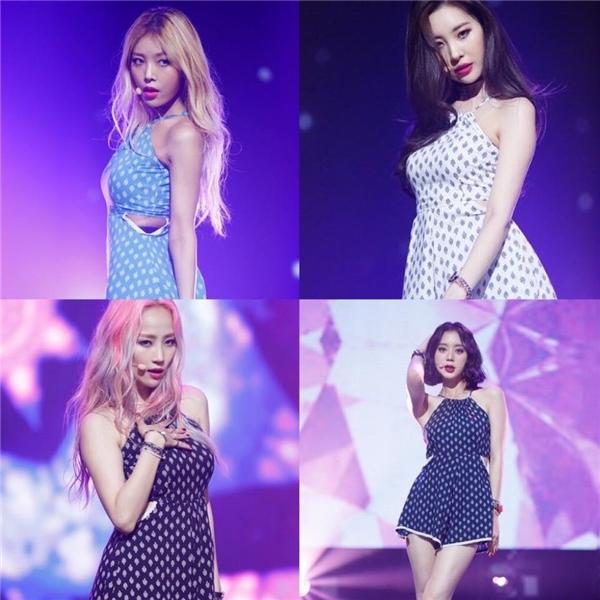 Trước tin đồn tan rã, JYP dỡ poster Wonder Girls tại trụ sở công ty
