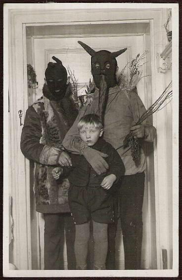 Cậu tôi bị bắt cóc khi mới 8 tuổi. Và đây là những gì ông bà ngoại tôi tìm thấy trong hòm thư nhà họ vài tuần sau đó.