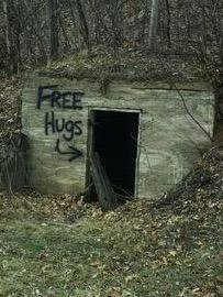 Có ai muốn một cái ôm miễn phíkhông?