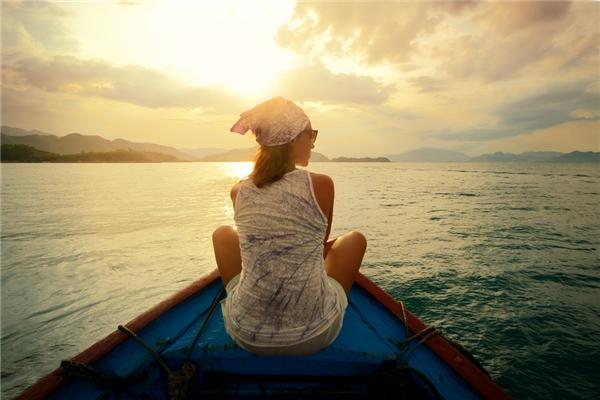 Đối với phái nữ thì việc giữ gìn vệ sinh, bảo vệ sức khỏe và an toàn bản thân trong mỗi chuyến đi là điều tuy tế nhị nhưng hết sức quan trọng.