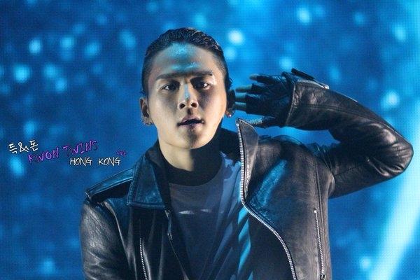 """Nghệ sĩ YG tài năng đã đành, đến vũ công cũng khiến fan """"phát cuồng"""""""