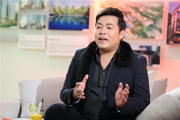 """Nói về thân hình phát tướng ảnh hưởng đến tình cảm của khán giả danh cho mình, Quang Lê cho rằng: """"Khán giả thích giọng hát của tôi chứ không phải ngoại hình. Nếu mọi người đã yêu quý thì tôi thế nào thì họ vẫn thích"""". - Tin sao Viet - Tin tuc sao Viet - Scandal sao Viet - Tin tuc cua Sao - Tin cua Sao"""
