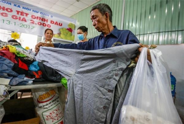 Đây thực sự là phiên chợ Tết ý nghĩa với người nghèo. (Ảnh: T.N)
