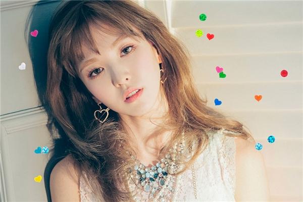 Người ta gọi Wendy là cô gái Canada thuần Hàn là vì mặc dù sống ở một đất nước rất tây như Canada nhưng gia đình của Wendy rất truyền thống, không bao giờ muốn mọi người trong nhà quên đinhững nét đẹp văn hoá của Hàn Quốc.