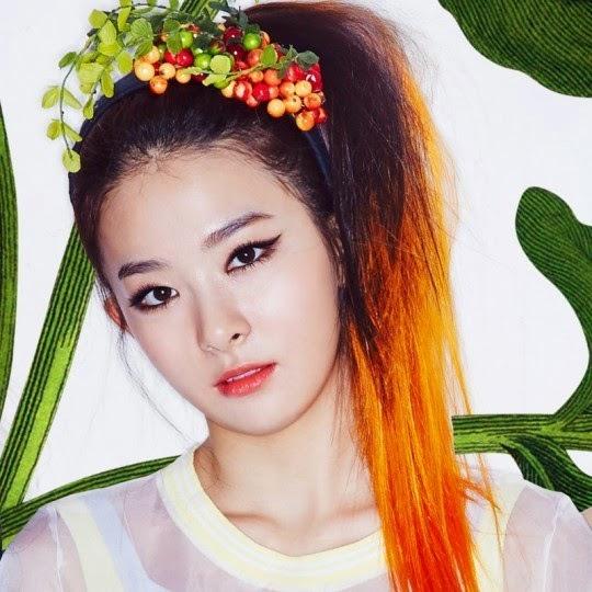 Gương mặt pha trộn giữ sự dễ thương thân thiện và lạnh lùng cá tính của Kang Seul Gi.