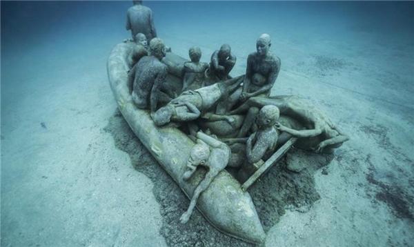 Sự thật về vùng biển chứa 200 bộ xương người chết xếp thành vòng tròn