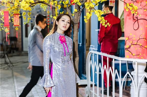 MV Đón mùa xuân vềđã chính thức được phát hành trên kênh youtube riêng của Bảo Anh vào lúc 19g00 ngày 14/01/2017. - Tin sao Viet - Tin tuc sao Viet - Scandal sao Viet - Tin tuc cua Sao - Tin cua Sao