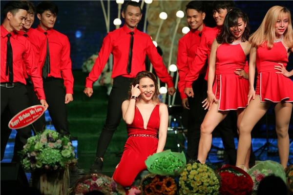 """Fans bấn loạn khi lần đầu nghe Mỹ Tâm hát live """"Anh thì không"""" - Tin sao Viet - Tin tuc sao Viet - Scandal sao Viet - Tin tuc cua Sao - Tin cua Sao"""