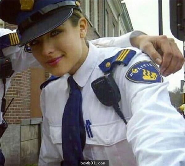 Nochtli Peralta Alvarez gia nhập ngành cảnh sát khi mới 17 tuổi. (Ảnh: Internet)