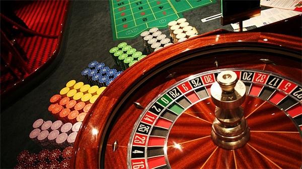 Vé tham gia chơi casino có giá 1 triệu đồng/ 24 giờ liên tục/ người hoặc 25 triệu đồng/ tháng/ người. (Ảnh: internet)