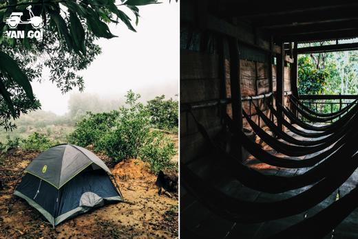Nếu ở lại qua đêm trên núi, bạn có thể xin tá túc tại chùa hoặc cắm trại. Từ trạm thông tin đi xuống theo hướng cột điện hoặc đi xuốngtheo hướng chùa khoảng một đoạn ngắn đều có khu vực bằng phẳng để dựng lều trại.