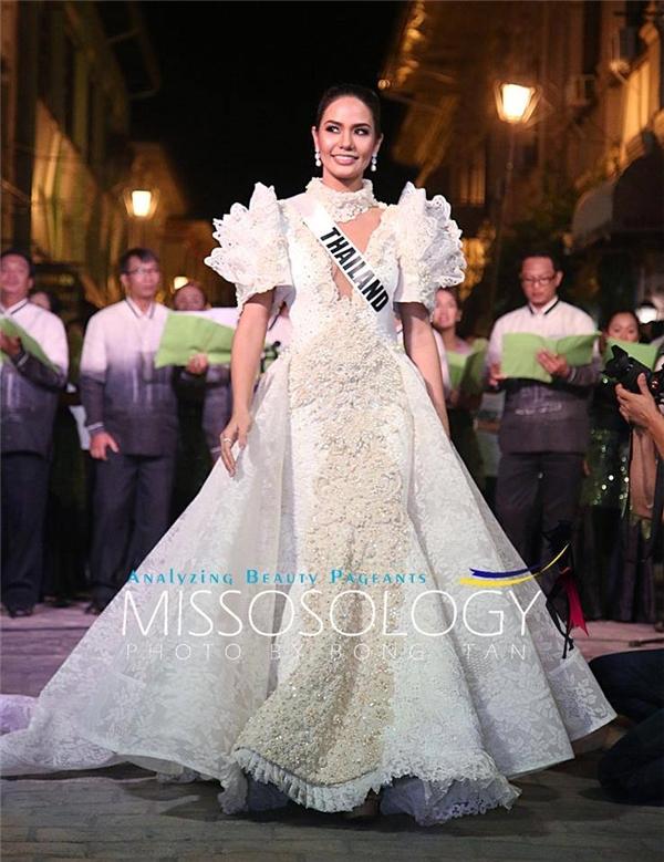 Hoa hậu Thái Lan Chalita Suansane có sự đầu tư kĩ lưỡng cho cuộc thi năm nay, đặc biệt về kĩ năng trình diễn, yếu tố luôn được Miss Universe đề cao. Trong các hình ảnh đăng tải trên fanpage chính thức của Miss Universe, Chalita Suansane luôn nhận được tình cảm nồng nhiệt của khán giả.