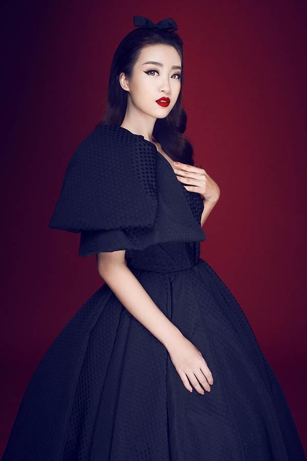 Hoa hậu Mỹ Linh cuốn hút khó thể rời mắt với đầm đen, môi đỏ