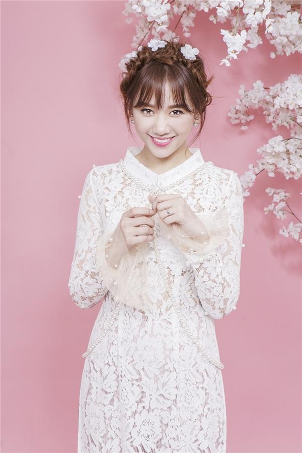 Hari Won ngọt ngào khó có thể rời mắt với sắc màu pastel đầu Xuân