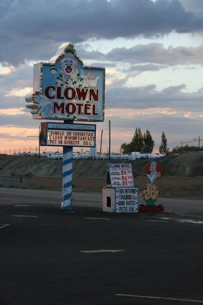 Clown Motel tọa lạc ở thành phố Tonopah (Nevada), là khách sạn vềchú hề đầu tiên trên thế giới.