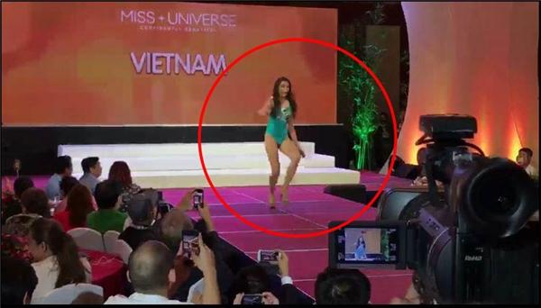 Đại diện Việt Nam, Á hậu Lệ Hằng là người trình diễn cuối cùng trong 86 thí sinh. Cô diện áo tắm một mảnh với tông màu xanh bạc hà. Trong lúc catwalk, Lệ Hằng bất ngờ gặp sự cố khiến cô suýt té ngã trên sàn diễn.