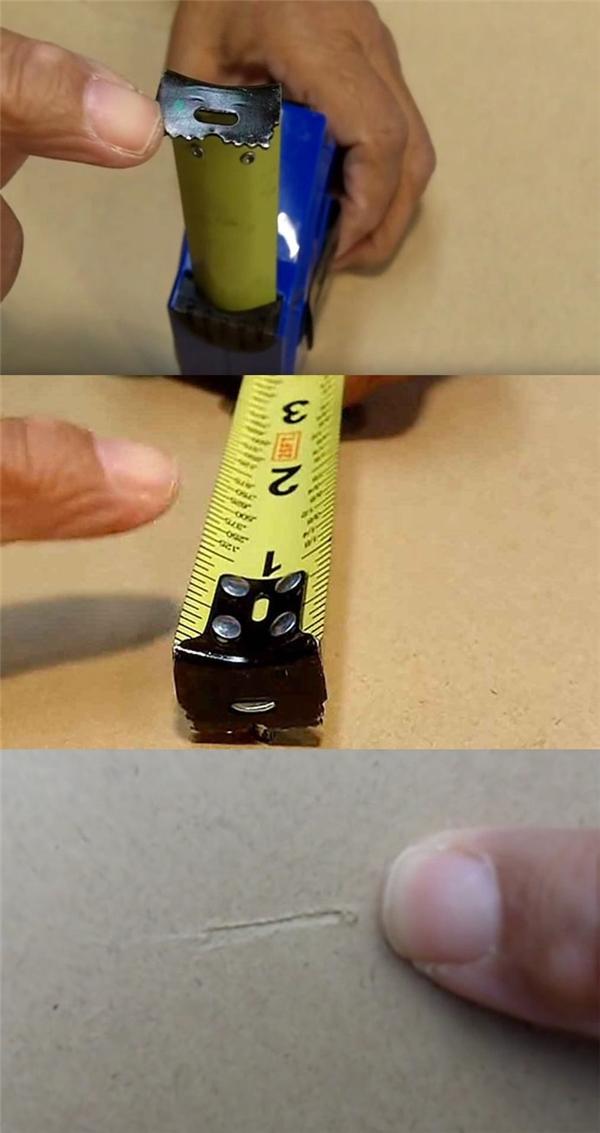 Những vạch răng cưa trên đầu chiếc thước dây là để giúp bạn đánh dấu vị trí đo một cách nhanh chóng và tiện lợi, đo được ở khoảng cách xa, không phải mất công đo chỗ nào thì dùng bút chì vạch chỗ đó.