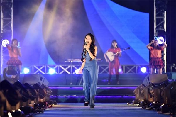 Hoàng Thùy Linh, Noo Phước Thịnh đốt nóng siêu đại nhạc hội - Tin sao Viet - Tin tuc sao Viet - Scandal sao Viet - Tin tuc cua Sao - Tin cua Sao