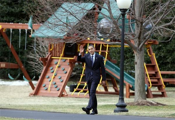 Bộ cầu tuột của bố con Barack Obama sẽ bị dỡ khỏi Nhà Trắng.