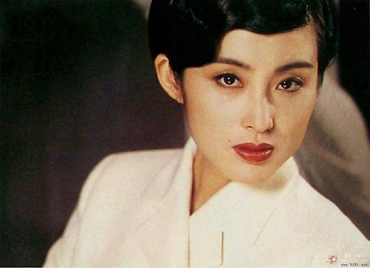 Sau nhiều biến cố, Trương Mẫn tái xuất màn ảnh và đến năm 2003, côtìm được bến đỗ bình yên bên cạnh người quản lý cũ Lưu Vĩnh Huy và sinh sống tại Bắc Kinh.