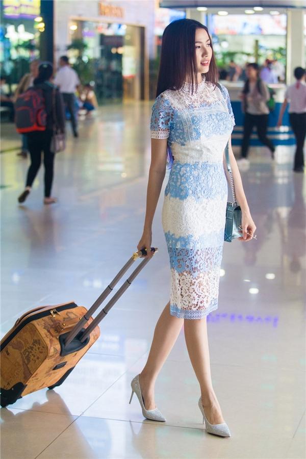 Khoảng một năm trở lại đây, cô luôn nhận được nhiềulời khen ngợi về phong cách thời trang đa dạng và tinh tế. Không cònmột Phan Thị Mơ e ấp, dịu dàng mà thay vào đó là một Phan Thị Mơ biến hóa đa dạng nhiều stylekhác nhau. - Tin sao Viet - Tin tuc sao Viet - Scandal sao Viet - Tin tuc cua Sao - Tin cua Sao