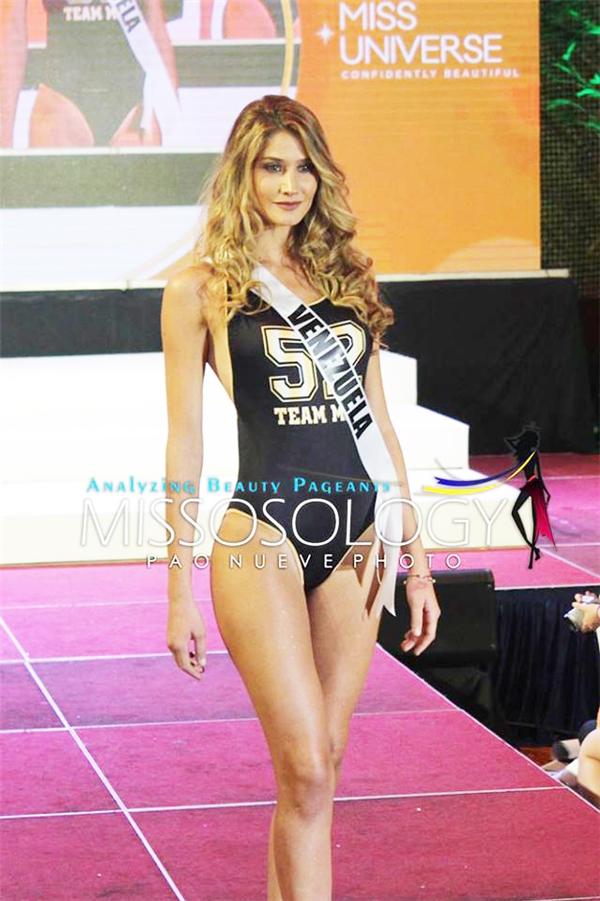 Trong số 86 thí sinh, đại diện Venezuela Mariam Habach được đánh giá là một trong những nhân tố có màn trình diễn xuất sắc nhất bởi cơ thể cân đối, đôi chân dài miên man cùng kĩ năng chuyên nghiệp. Cô gái này cũng nằm trong nhóm thí sinh hiếm hoi có thể xoay người trên sàn catwalk khi trình diễn.