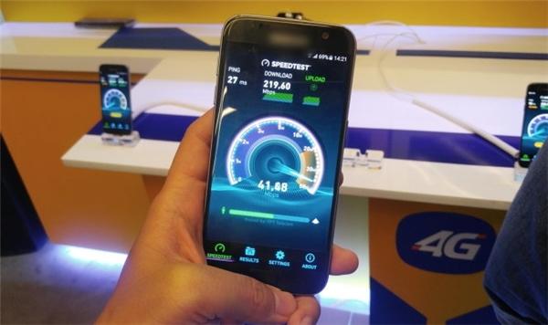 Tốc độ kết nối của mạng 4G nhanh gấp 10 lần mạng 3G.