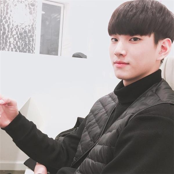 Gương mặt điển trai thu hút mọi ánh nhìn củaIm Sungjin.