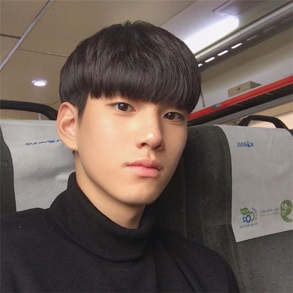 Dân tình điên đảo với vẻ điển trai của chàng VĐV giống Kim Soo Hyun