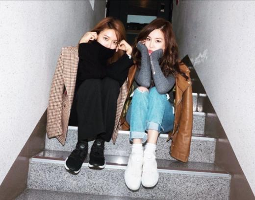 """Dường như """"mắt cười"""" Tiffany đã thực sự bị thu phục bởi những gì mà SooYoung đang làm rồi."""