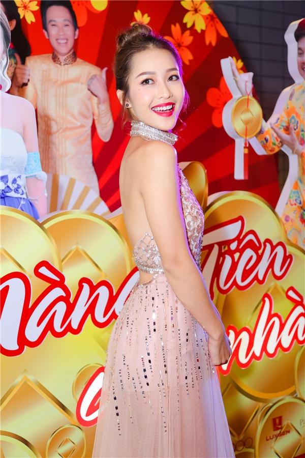 Hi vọng Nàng tiên có năm nhà sẽ là một khởi đầu đầy tốt đẹp trong năm 2017 cho nữ diễn viên trẻ xinh đẹp sinh năm 1997- một tài năng trẻ cho điện ảnh Việt thế hệ mới. - Tin sao Viet - Tin tuc sao Viet - Scandal sao Viet - Tin tuc cua Sao - Tin cua Sao