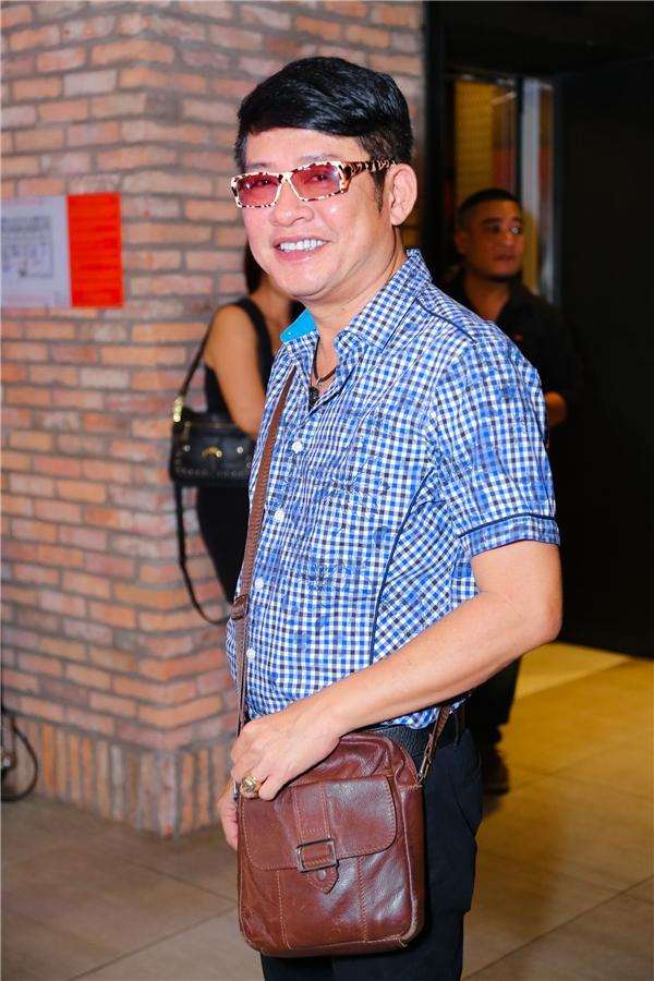 Nam diễn viên Tấn Beo giản di đến tham dự buổi ra mắt phim. - Tin sao Viet - Tin tuc sao Viet - Scandal sao Viet - Tin tuc cua Sao - Tin cua Sao