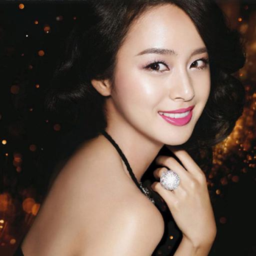 """Kim Tae Hee là gương mặt nổi bật trong giới showbiz Hàn Quốc khí sở hữu nhan sắc nữ thần. Dù đã ở tuổi 37, nhưng người đẹp vẫn giữ được nét thanh xuân tười hiếm có với khuôn mặt """"tỉ lệ vàng"""" mà nhiều người mơ ước."""